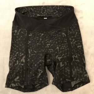 Lululemon Bike Shorts SZ 4